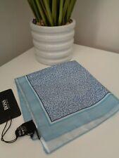 Bnwt Hugo Boss helles blau 100% silk pocket square Taschentuch Hankie