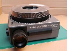 Kodak Carousel S-AV 2010 Slide Projector, Zoom Lens, Tray & Remote Control