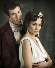 Tuppence Middleton and Callum Turner UNSIGNED photo - L839 - War & Peace