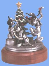 Goofy Mickey Minnie Trimming the Tree Disney Pewter figurine