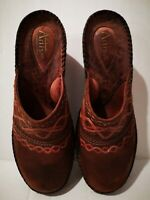 Clarks Artisan 7.5 M Wedge Sandals Brown Red Trim Leather Upper Good Condition