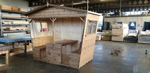 social pods / outdoor seating /social distancing