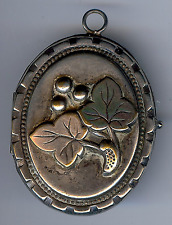ANTIQUE SILVER TONE RAISED GRAPE LEAVES LOCKET PENDANT