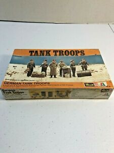 Revel H-2120 Military Personnel German Tank Troops Model Kits in 1/35 Scale