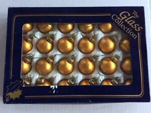 24 x Vintage Retro Christmas Tree Decorations  Glass Baubles Ornaments Boxed