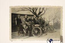 altes Foto mit zwei alten Motorrädern Motorrad