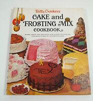 BETTY CROCKER'S CAKE AND FROSTING COOKBOOK SPIRAL HC GOLDEN PRESS 1ST ED (1966)