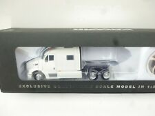 Tonkin Replicas Executive Paccar IN White  1:50 Peterbilt 587 New OVP