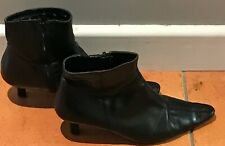 Clarks Black Leather Pointy Toe Ankle Boots Size 7
