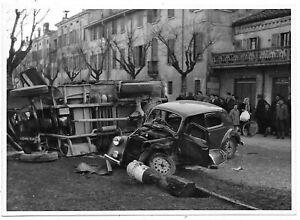 Carpi (Modena). Incidente incrocio del Corso Manfredo Fanti con Via Fassi (1953)