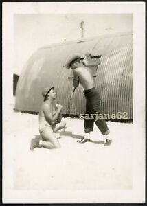 HANDSOME SHIRTLESS SUBMISSIVE ROLE PLAYING MILITARY MEN VINTAGE PHOTO GAY INT