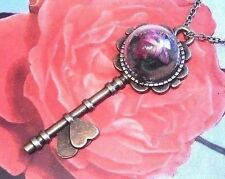 DRIED FLOWER IN SKELETON KEY NECKLACE bronze pendant steampunk fairy tale E4