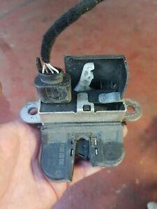 OEM GENUINE VW GOLF AUDI SKODA SEAT TAILGATE BOOT REAR CATCH LOCK 5K0827505 A