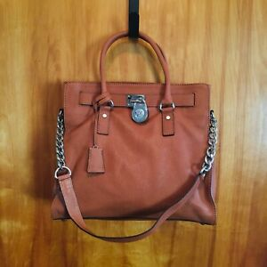 MICHAEL KORS Hamilton Lock & Key Leather Shoulder Handbag Large Light Brown Tan