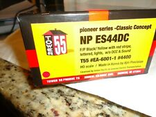 HO SCALE  Tower 55 Northern Pacific ES44DC