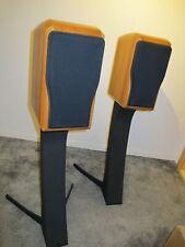 Chario Sonnet Academy High End Kompaktlautsprecher in Kirsche mit Stands