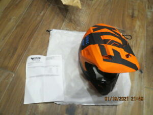 Fox Racing V2 Mastar Helmet Brand New Size Small