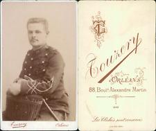 Touzery, Orléans, Militaire de la 30e assis à califourchon, 1880 CDV vintage alb