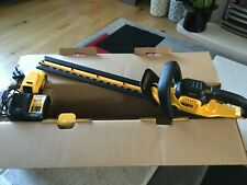 DEWALT XR 18V  DCM563P1 DCM563 55CM GARDEN HEDGE TRIMMER x1 5AH LI-ION BATTERY