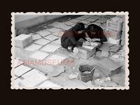 Women Lady Worker Construction Tiles House B&W Hong Kong Photograph 香港旧照片 #2661