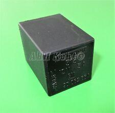 455-Vauxhall Astra Corsa Agila Swift Black Wipers Control Relay 90069864 313