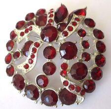belle broche bijou vintage couleur argent pierres imitation rouge rubis 647