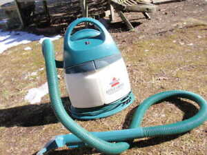 BISSELL LITTLE GREEN CARPET CLEANER  1720 - M PORTABLE