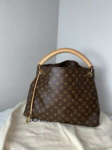 Louis Vuitton Artsy MM Monogram Handbag