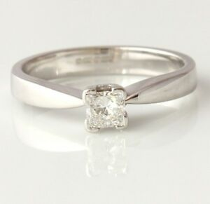 18ct White Gold Square Diamond Solitaire Engagement Ring. Gift Boxed Size M 1/2