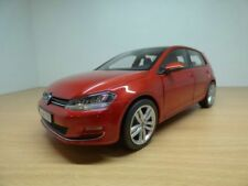 VW GOLF VII berline rouge Sunset 1/18