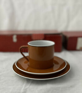 Set of 6  Vintage Trio Cup, Saucer and Plates in Original Box. Bronze #22