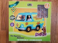 REVELL Scooby Doo The Mystery Machine Van Model Kit New 3 Figures Included