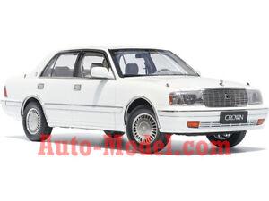 1:18 Kengfai 1995 Toyota Crown Royal Saloon Pearl White