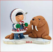 2011 Hallmark FROSTY FRIENDS #32 Ornament FROSTY & WALRUS *Priority Shipping