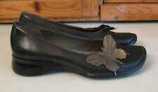 Clarks SHOES Indigo Black Leather  Cute Butterfly Accent Woman's 7 M Flats