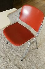 Sedia DSC 106 Piretti per Castelli con seduta in vetroresina rossa come nuove
