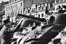 WW2 - De Lattre salue le Col du Breuil-1er RC Esc. EM 2° DB Strasbourg -Nov 1944