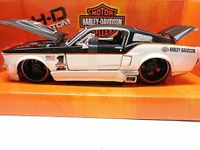 MAISTO FORD MUSTANG GT HARLEY-DAVIDSON Design BJ. 1967 1:24 CUSTOM CAR ART 32168