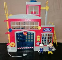DISNEY MICKEY MOUSE CLUBHOUSE Fire Station with Figures & lots of accessories