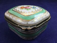 More details for antique sevres trinket / snuff box - collectors piece. beautifully hand painted