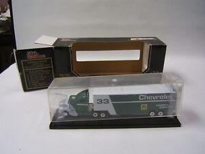 Racing Champions #33 Harry Gant 1993 Chevy trailer MIB