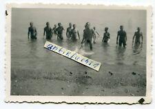 Foto: WH-Front-Soldaten baden nackt in Griechenland im 2.WK