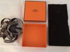 HERMES boîte bijoux (bracelet, BO) avec pochon 8,5 x 8,5cm + ruban. NEUVE