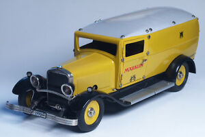 Marklin #1990 Reichspost Truck wind-up clockwork