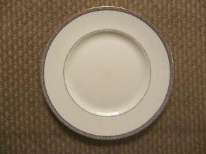 2 X  WEDGWOOD PALATIA PATTERN  DINNER PLATES 27 CM