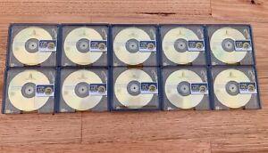 14 x 74 min Minidiscs(10 TDK Colour, 1 Sony Neige, 1 Xeus Wavy, 1 Maxell)