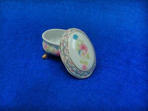 Joyero cajita en porcelana, porcelain jewelry box.