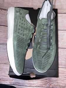 Under Armour Women's 10 Street Precision Low Luxe Green Sneakers New Suede Upper