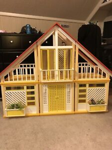 VTG 1979 Barbie Dream House A frame Excellent condition-98% Complete