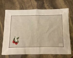 Williams And Sonoma White  Set Of 4 Embroridered Strawberry  Placemats New